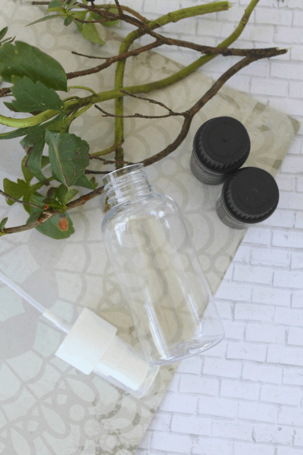 Diy Essential Oil Spider Repellent Spray The Homespun Hydrangea
