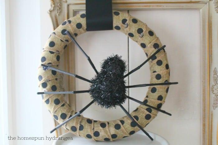 Diy Spider Halloween Wreath The Homespun Hydrangea